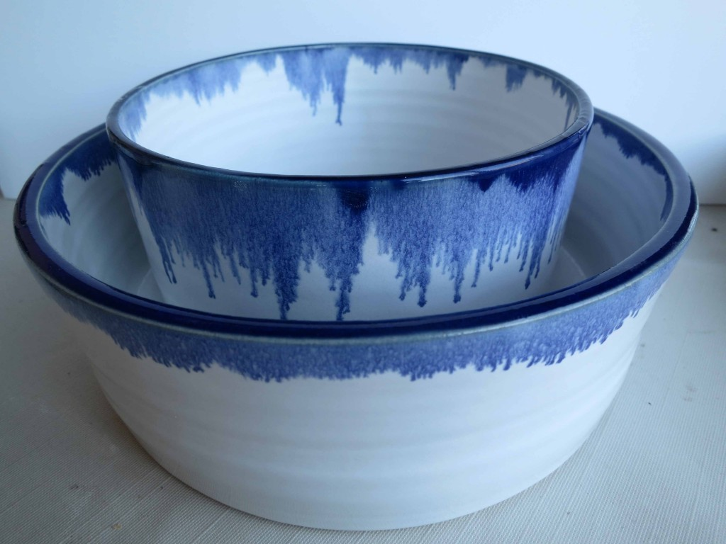 blue_bowls_two_sizes